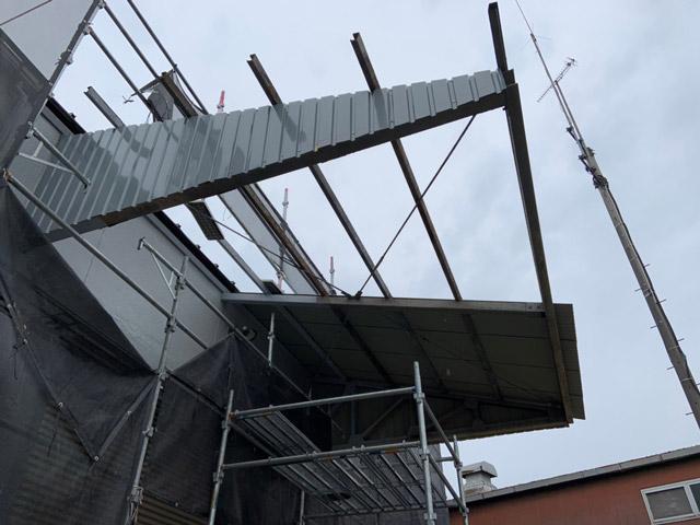 波型スレート屋根 葺き替え